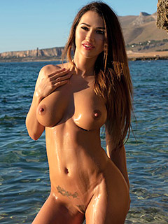 Justyna in Sea Breeze