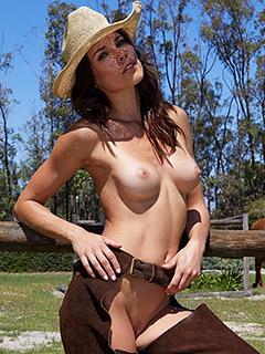 Katerina Giannoglou in Wild Country