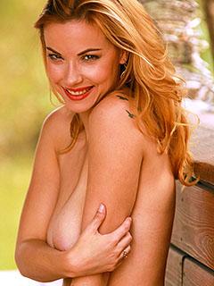 Elizabeth Marxs in Tiki Beauty