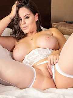 Bryci in White Stockings