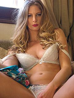 Rebecca Leah in Blondes