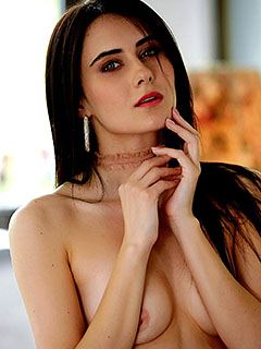 Ingrid Valleo in Romantic Notions