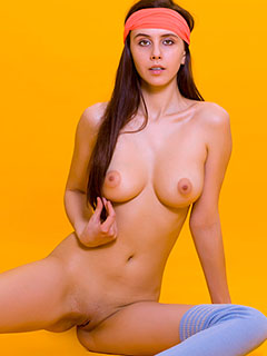 Alisa Amore in Yellow Series