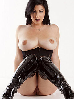 Scarlett Morgan in Nude Goth