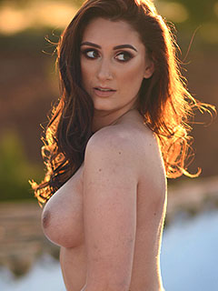 Bonnie Lee is Naked At Sunset