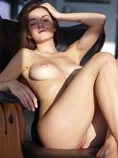 Vanda Mey in Sexy Sitting