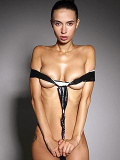 Dita V in Fashion Bondage