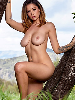 Ali Rose in Beauty In Nature