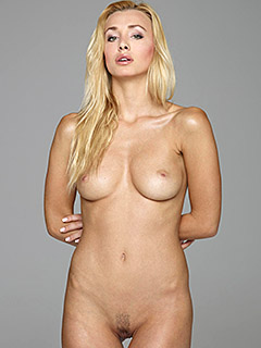 Dominika Johannsen in Softcore Nudes