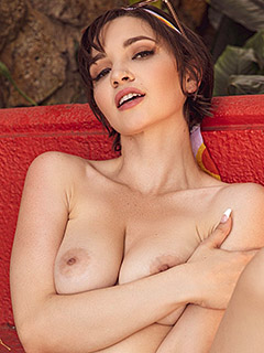 Jay Marie in Out of Sight
