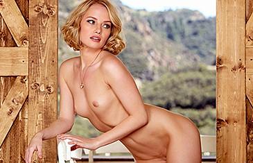 Gabi nude International Beauty