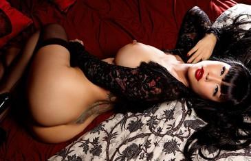 Masuimi Max nude in Midnight Affair