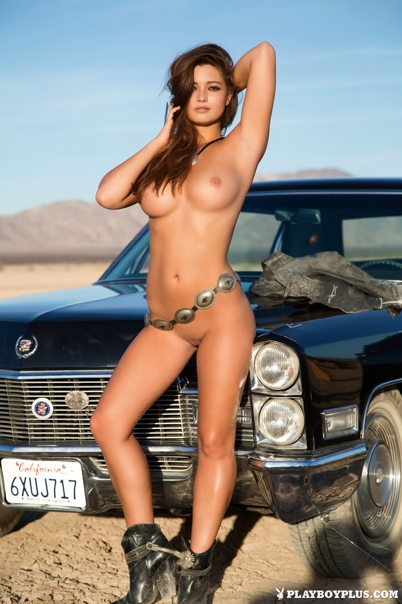 Naked asian woman fucking