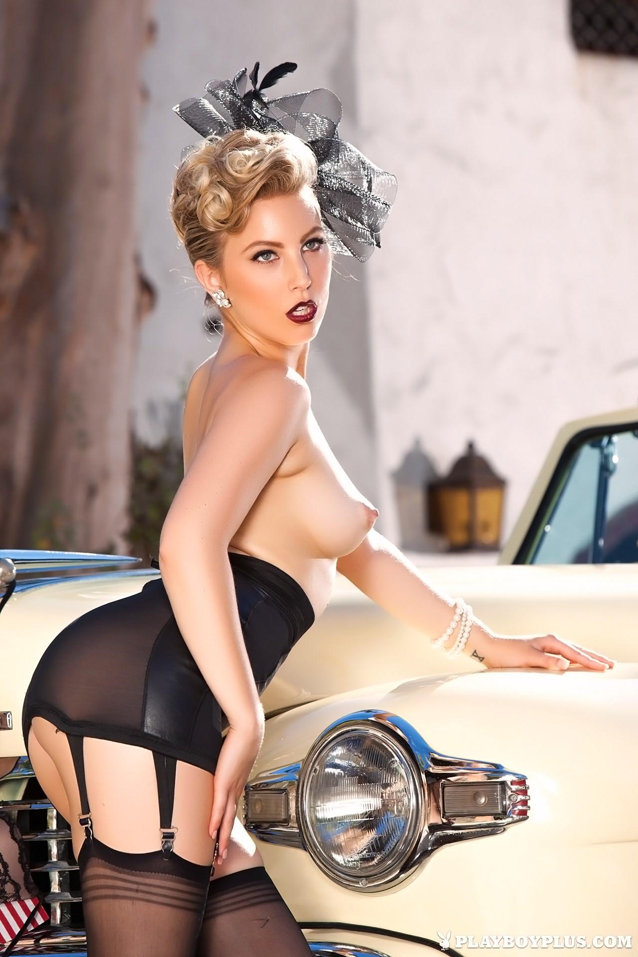 Erotica Chanel Elle