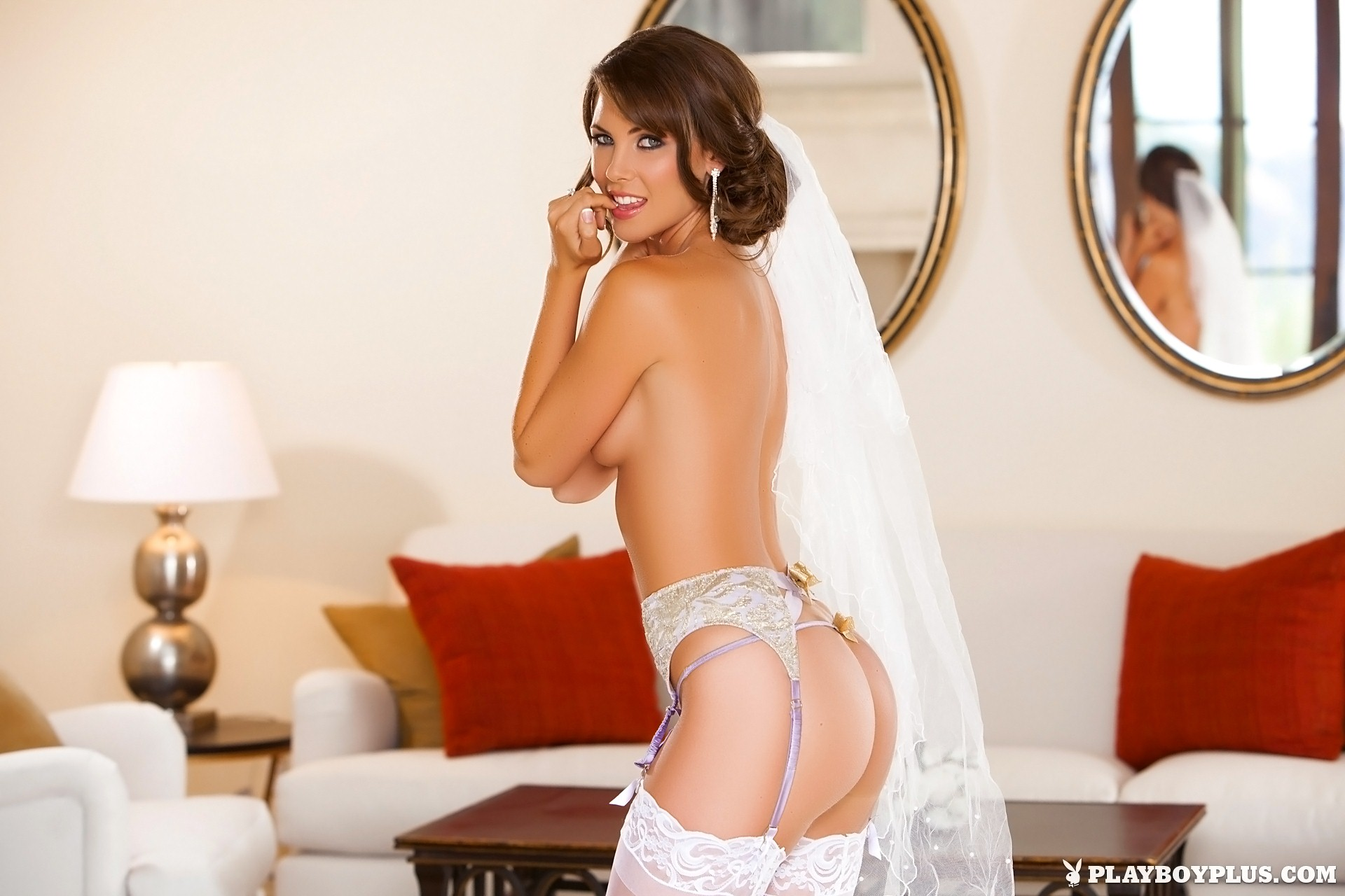 Naked bride in stockings