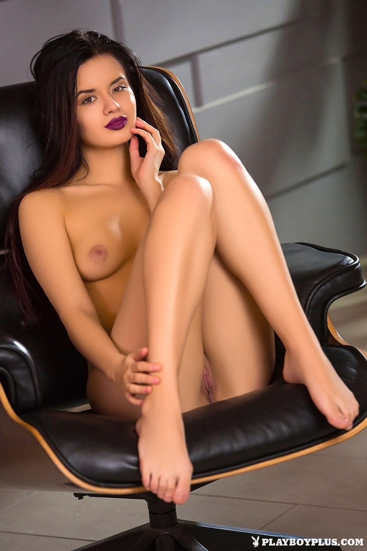 female nude photography seduction