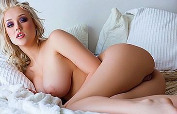 Sabrina Nichole nude in Wiggle Room