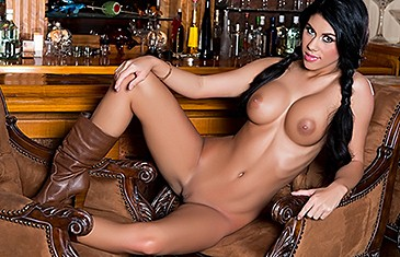 Autumn Lynn in Coyote Pretty
