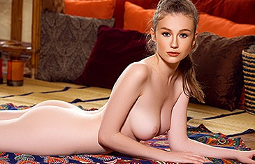 Emily Bloom nude Hot Yoga