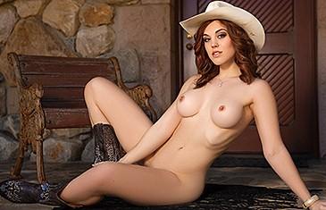 Molly Stewart nude in Desert Dessert